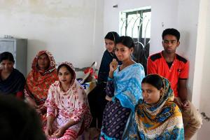 Au Bangladesh, des ouvrières rescapées du Rana Plaza créent leur propre coopérative textile