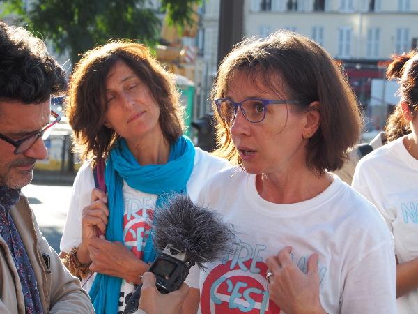 Karine Salaün en discussion avec les médias