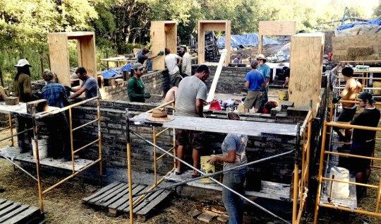 Comment construire sa maison écologique en une semaine et à petit prix grâce à l' « open source »