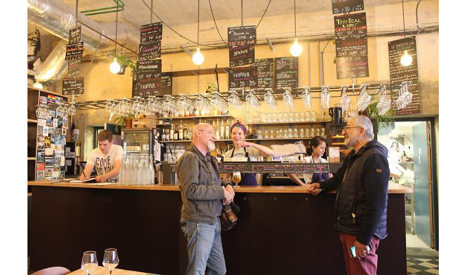 À Lyon, sera-t-il bientôt possible de faire la tournée des bars… autogérés ?